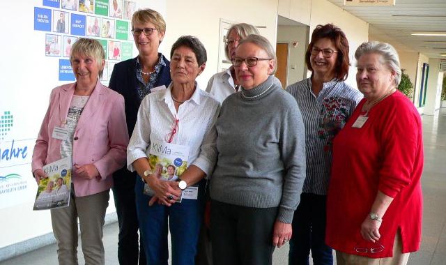 """Eine Gruppe von Damen """"Patientinnen helfen Patientinnen"""""""